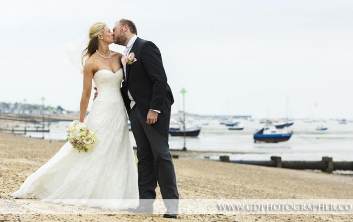 wedding photographer at the roslin southend