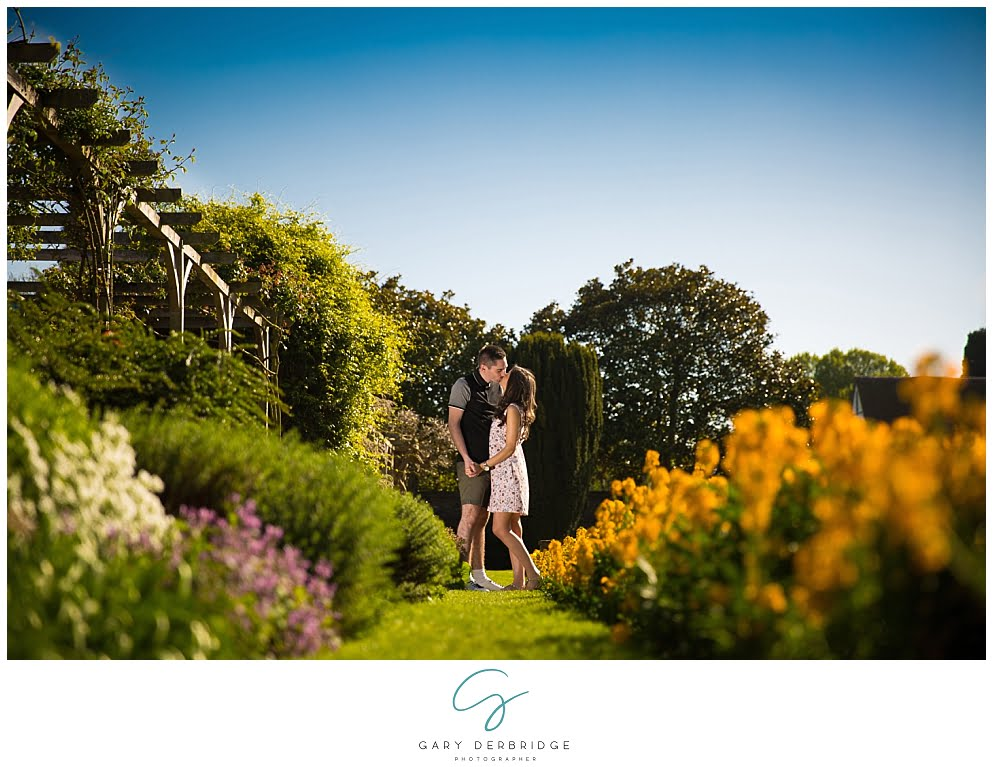 Couples engagement shoot in Essex | engagement portrait photographer in Essex | Essex engagement photoshoot